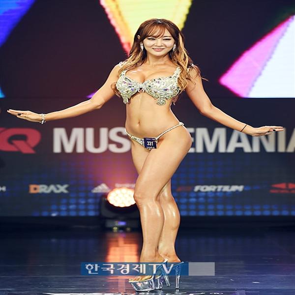 [포토]`머슬마니아 미즈비키니` 그랑프리 김시아, 완벽한 S라인