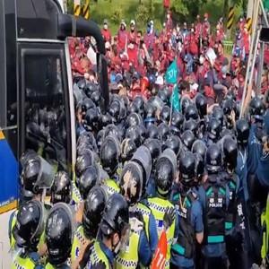 집회,폭행,구속