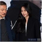 홍상수,감독,이혼,강변호텔,진행,김민희