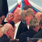 옐친,영국,대통령,러시아,나토,당시,총리,리프킨드,아키노,외교