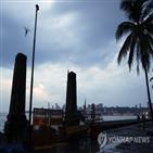 뭄바이,사이클론,인도,상륙