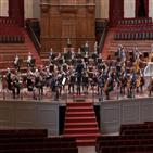 공연,오케스트라,연주,무대,베를린,지난달