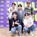 라디오,아이돌,방송,규현,거북이,부산,예성,노래,사람