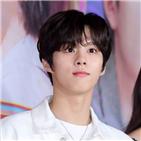 트웬티,스무,김우석,이야기