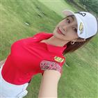 이나리,골프,활동