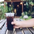 구독,커피,서비스,매장,구독권,방문,아메리카노,매일,선물,정기