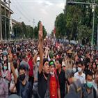 집회,태국,참석자,경찰,군주제,총리,지도부,반정부,바리케이드,오후
