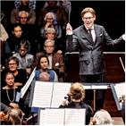 지휘자,오케스트라,지난달,세계,교향곡,활동,지휘,실력,주목,작곡가