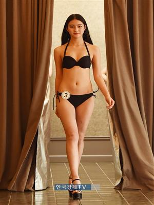 [포토]중국 모델 Ma Yi Wen, 비키니 입고 당당한 워킹