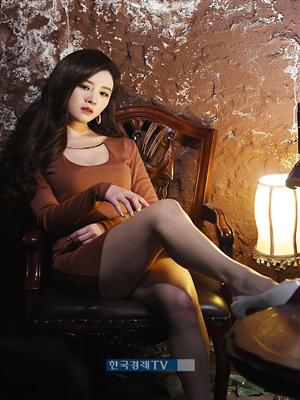 [포토]김효진 아나운서, 이기적 각선미