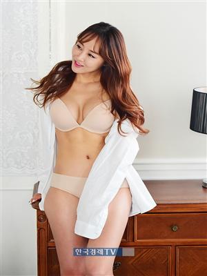 [포토]`맥스큐` 9월호 표지 김시아, `란제리+셔츠`는 진리