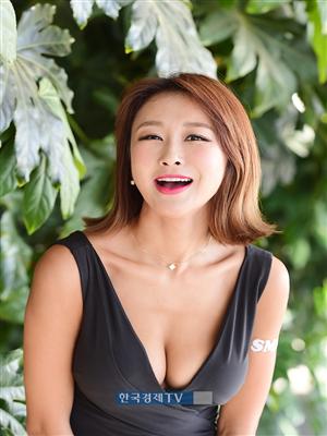 [포토]레이싱모델 서윤아, 글래머러스 매력