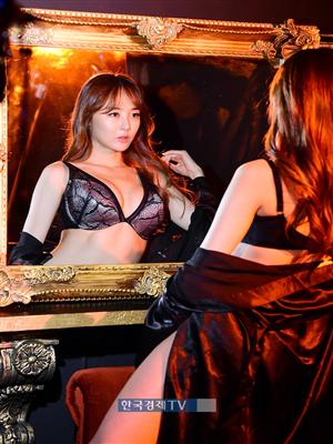 [포토]머슬마니아 김시아 `맥스큐 9월호 표지 모델 됐어요`
