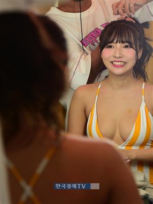 [포토]MAXIM 8월호, 미카미 유아 `더 예뻐지는 중입니다`