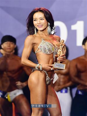 [포토]조지연 `맥스큐 모델 어워즈, 스포츠모델 3위 했어요`