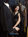 [포토]김효진 아나운서 `마네킹이 부러워`
