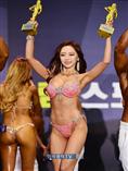 [포토]우승연 `맥스큐 모델 어워즈, 2관왕 했어요`