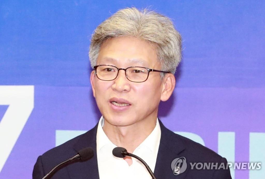 `김기현 첩보` 제보자는 송병기 울산시 경제부시장…그는 누구