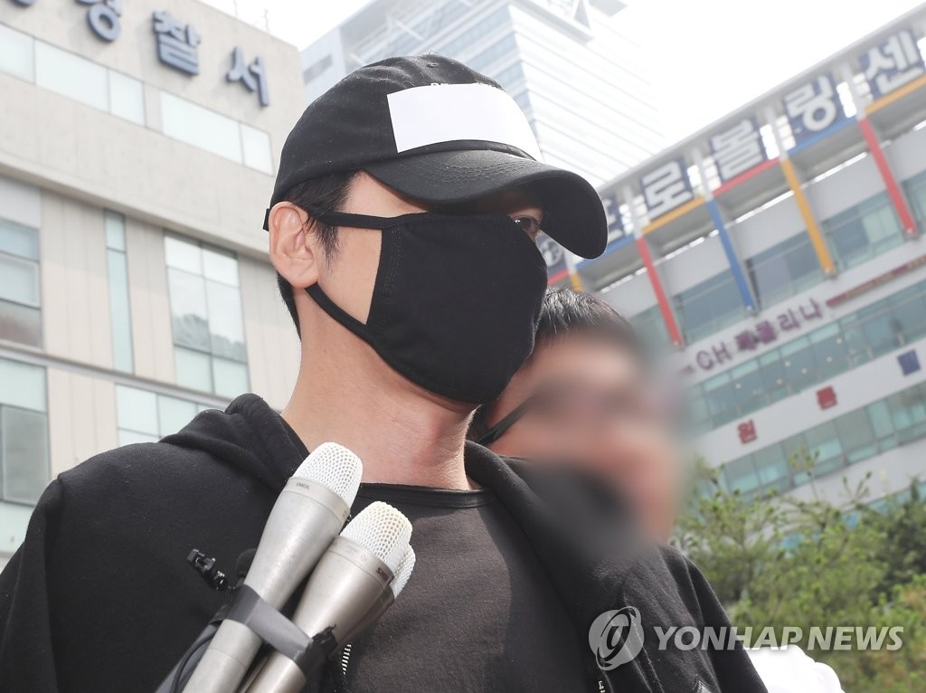 `성폭행 혐의` 강지환, 징역형 집행유예로 풀려나