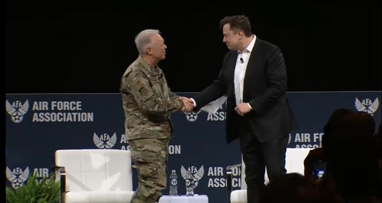 미군과 협업 맺은 엘론 머스크 테슬라모터스 CEO