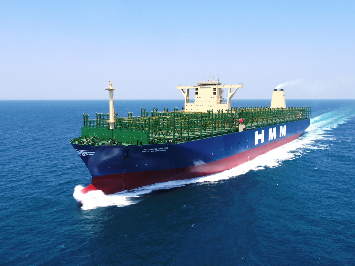 대우조선해양이 HMM사에 인도한 초대형컨테이너선 'HMM 코펜하겐'호의 운항모습