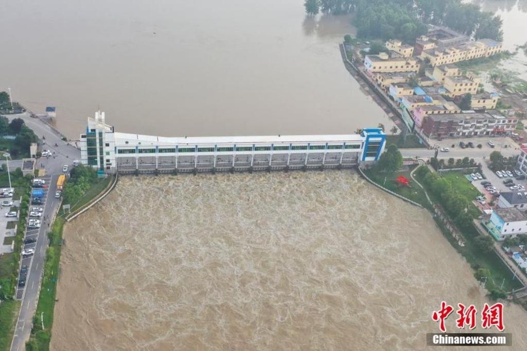 안후이성 왕자댐 방류 (사진=중국신문망 캡처)