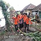 쓰나미,인도네시아,사망자,현지,피해,해협,가방,시신운반