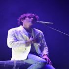 박효신,공연,관객,정재일,연인,콘서트,공연장,무대,8집