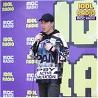 라디오,노래,음악,아이돌,친구,박서준