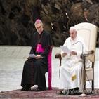 교황,대주교,베네딕토,의전,프란치스코,교황청,직무