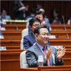 윤석열,총장,장관,추미애,특임검사