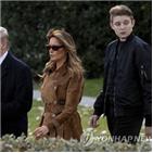 학교,트럼프,대통령,브리핑,아들,손주,코로나19