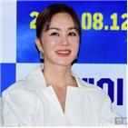 영화,엄정화,액션,박성웅,비행기,배우,연기