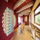 공간,카페,가구,조명,디자인,매장,아이스크림,경험,건물