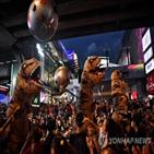 반정부,태국,시위대,개혁,왕실,상징,공룡,요구,방콕