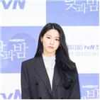 김설현,액션