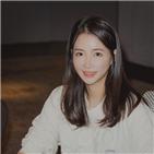 트루예나,대표,최예나,출산,궁중한복,스타그램