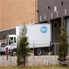 백신,운송,트럭,코로나19,페덱스,배송,접종,온도