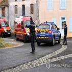 경찰,프랑스,통신,여성
