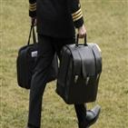 대통령,가방,바이든,취임식