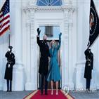 미국,해리스,부통령,의상,흑인,여성,바이든
