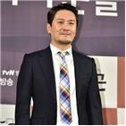 김동욱,진행,마스크