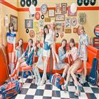 일본,싱글,데뷔,발매,더블,광고,앨범,타이틀곡