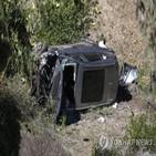 우즈,사고,경찰,차량,다리,골프,수술,당시,도로,병원