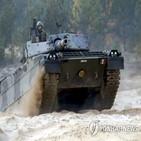 훈련,사고,양계장,전차,포탄,이탈리아