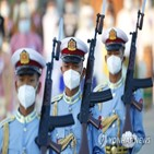 군인,장교,시민,군부,단절