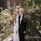 총리,존슨,결혼,시먼즈,결혼식,총리실,영국,자녀