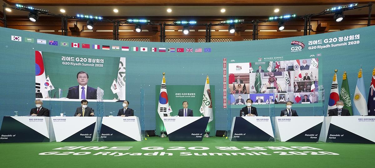 문 대통령이 우리시간으로 22일 밤부터 열린 G20 정상회의 2일차 제2세션에 참석했다. (청와대 제공)