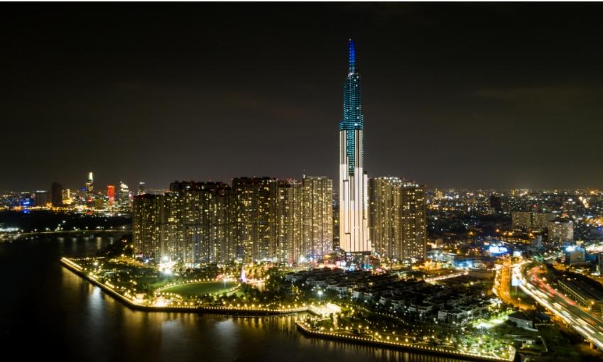 빈그룹이 건설한 베트남 최대 경제도시 호찌민 빈탄지구에 있는 81층 타워(베트남내 최고층 빌딩) 야경