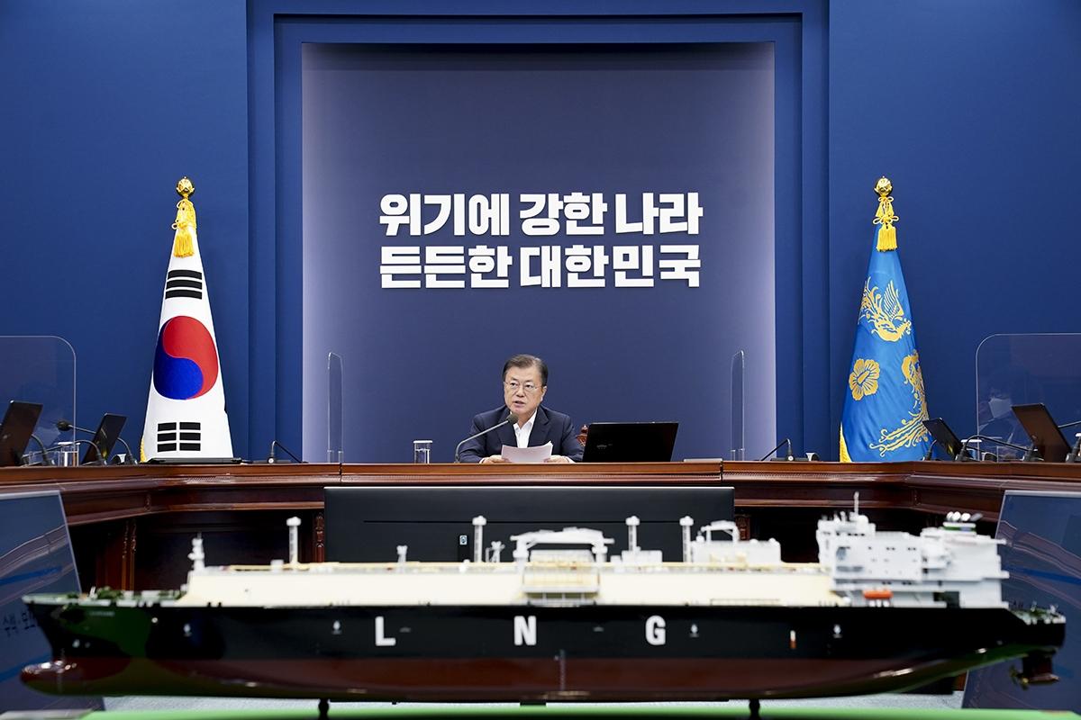 문 대통령이 6일 오후 청와대에서 수석보좌관회의를 주재했다. (청와대 제공)
